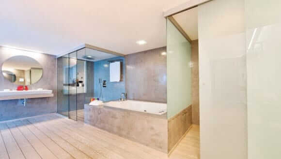 Klein Hospitality Frameless Glass Walls
