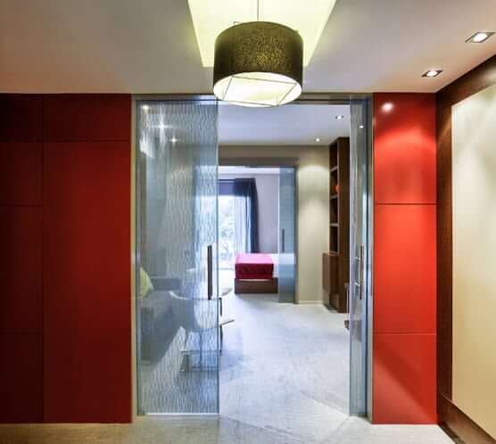 Image of Klein frameless glass walls hotel suite